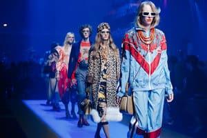 """Alessandro Michele賦予自由之於時尚前所未有的合理性,那麼荒謬詭譎的mood和styling,從配件、單品到一個高高在上的美感概念"""