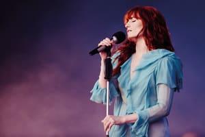 """""""Florence Welch在時尚界的氣勢,如同她那宏亮的嗓音一樣,令人無法忽視"""""""