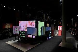 |Wazaiii Fashion Week|AW19 038:Miu Miu的暗黑秀場 其實根本是座藝廊?