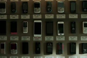 手機或世界,你選哪一邊?
