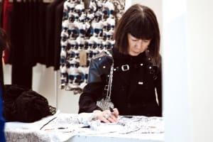 川久保玲 Rei Kawakubo「反流行、不完美又無法穿」的時尚美學
